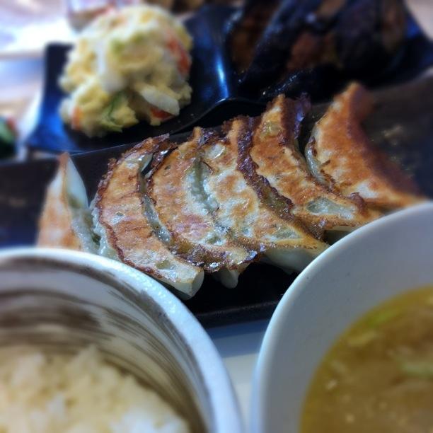 ひろしの餃子亭